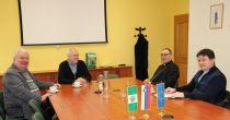 Obisk mariborskega nadškofa metropolita msgr. Alojzija Cvikla na Občini Sveta Ana